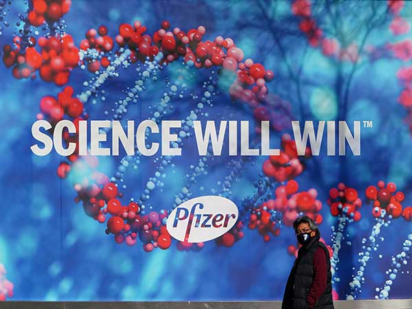 Pfizer vaccine: UK body tells people with history of allergic reactions not to get jab yet