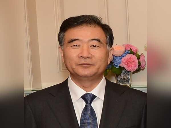 Top political advisor stresses religious affairs management