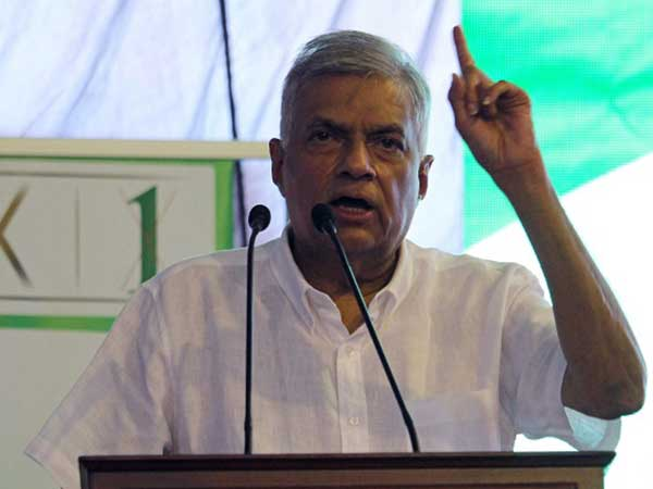 UNP leader visits party supporters attacked by gang