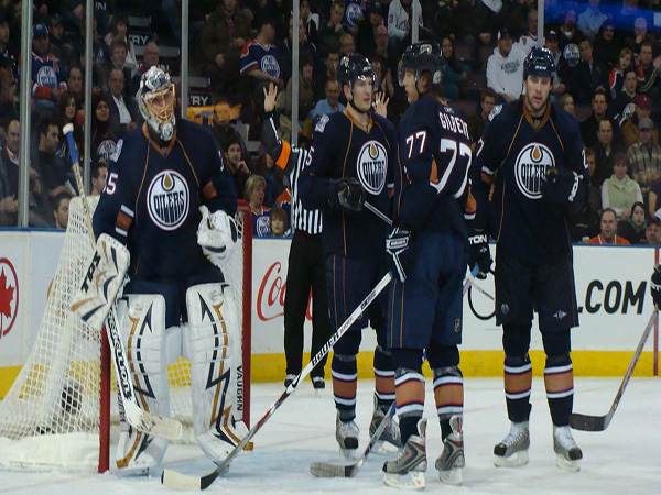 Flat salary cap forces Canadian NHL teams to cut ties with notable RFAs