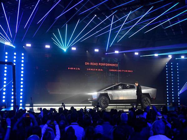 Elon Musk explains why the Cybertruck's windows broke