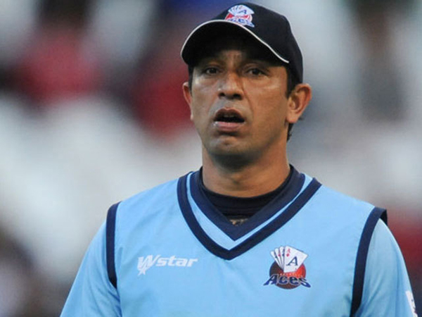 Azhar Mahmood feels coaching staff deserved chance to clarify position