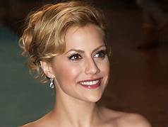 Brittany Murphy's sudden death at 32 still 'puzzles' pathologist, says doc: 'It was all very perplexing'