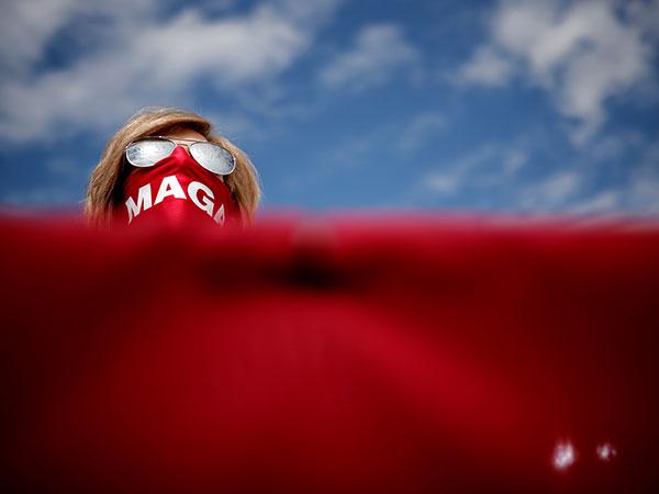 Nuns wearing MAGA masks spotted behind Trump at rally