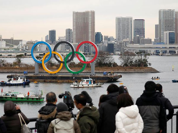 Giant Olympic rings installed at Tokyo's waterfront