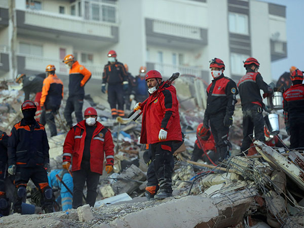Turkey: Search, rescue efforts continue after earthquake
