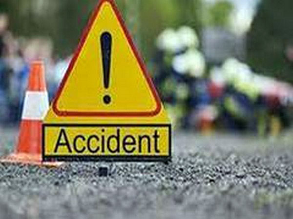 Man killed in Dhaka road accident