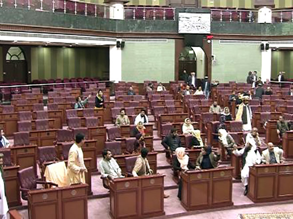 Rahmani Calls for Disclosure of Names of Absentee Lawmakers