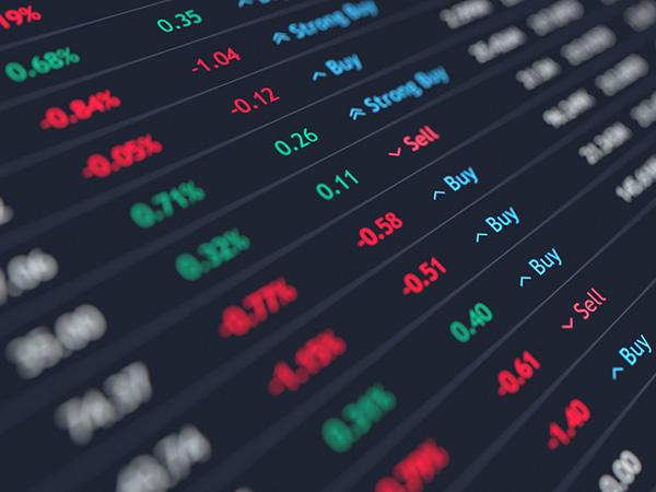 Seoul stocks close higher on hopes of economic stimulus