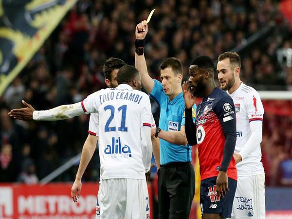French top leagues reach agreement on temporary reduction of wages