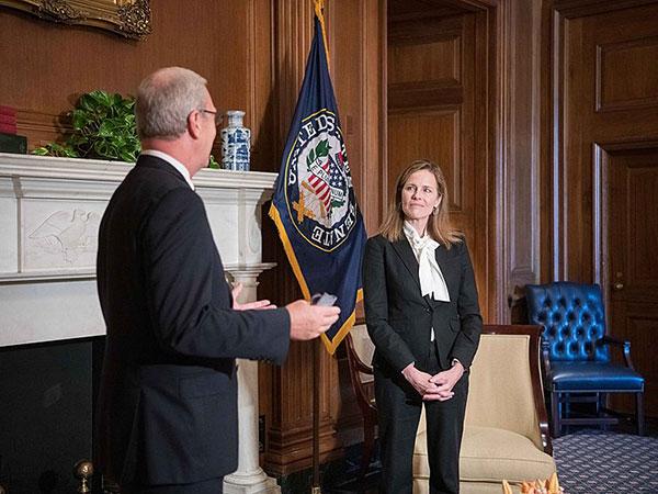 Senate advances Amy Coney Barrett's Supreme Court nomination in key procedural vote