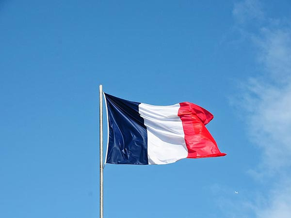 France allows travelers from UK to enter with negative COVID-19 test