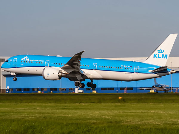 KLM offers apology for barring S. Koreans from using toilet