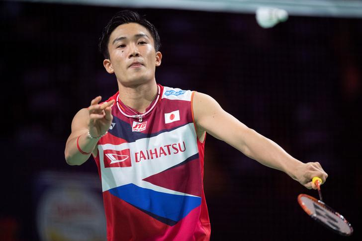 Injured badminton star Momota to return to Japan