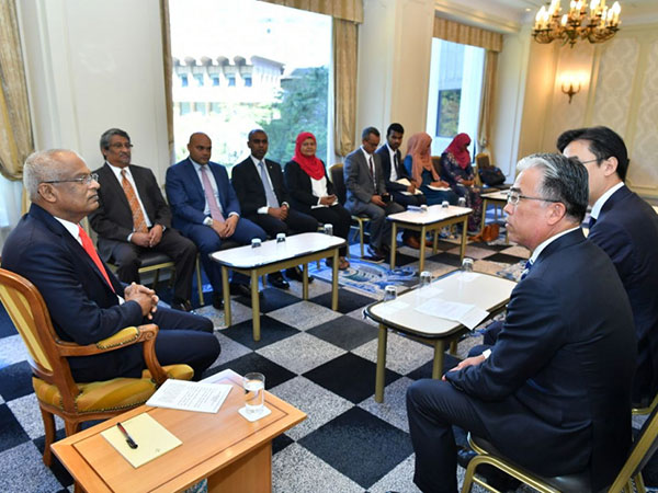 President discusses expanding investment ventures with Japanese company