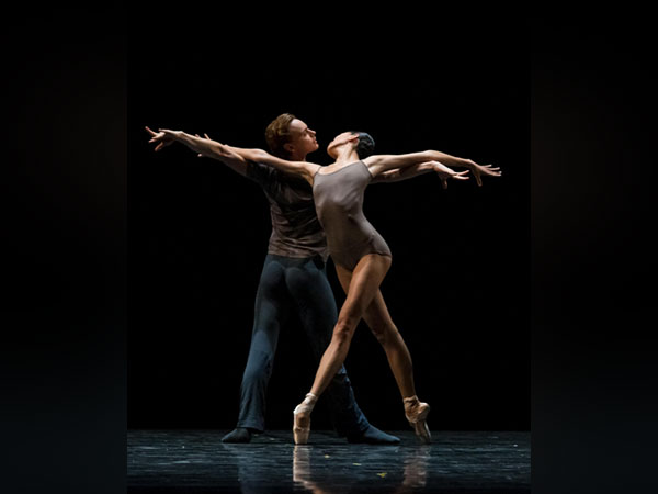 Ballerina Lee Sang-eun makes her height special in ballet