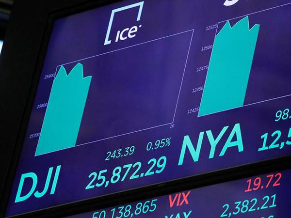 U.S. stocks rise after Fed cuts rates