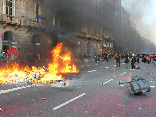 Feature: Tense atmosphere looms as Barcelona braces for fresh waves of violence