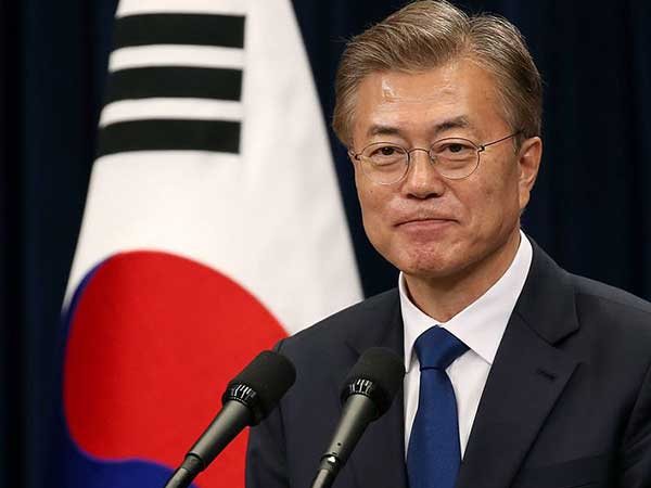S. Korean president's approval rating falls to 44.5 pct: poll