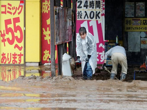 Putin offers his condolences to Japanese PM over human deaths in powerful typhoon