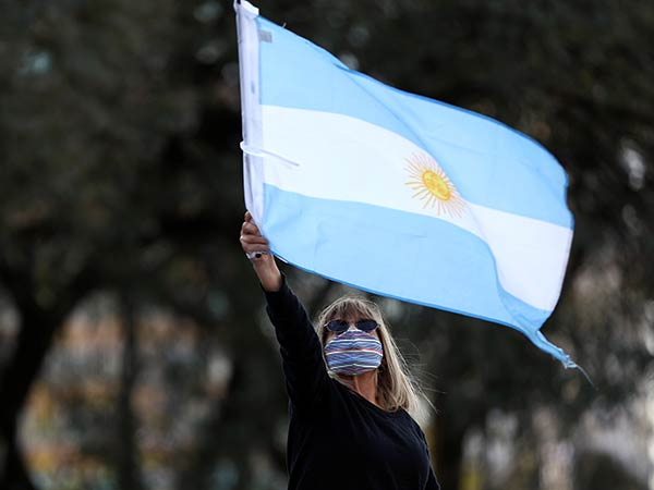 Argentine minister tests positive for COVID-19
