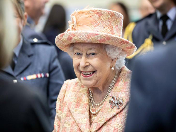 Queen Elizabeth expresses sympathy, blessings to China on anti-epidemic fight