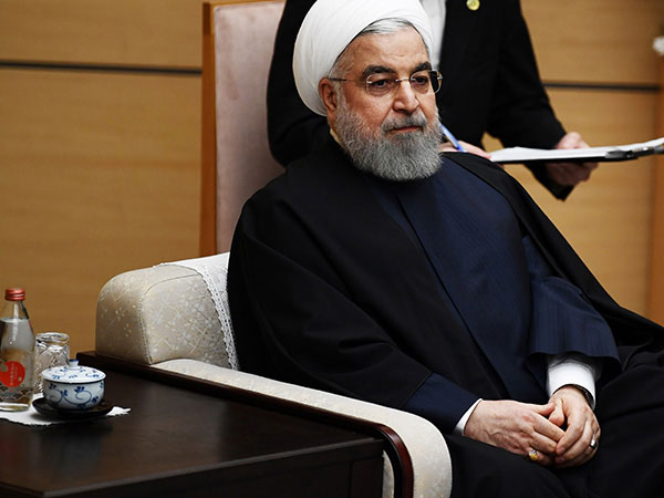 Rouhani meets Abdullah, pledges Iran's support for Afghan peace
