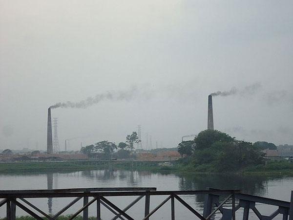 Toxic air choking Dhaka; worst again in Air Quality Index