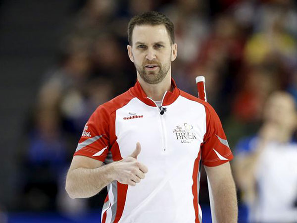 Gushue, Koe open the National curling tournament with easy victories