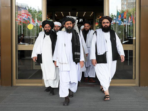 Afghan Government, Taliban Disagree on Timing of Ceasefire, Reduction of Violence