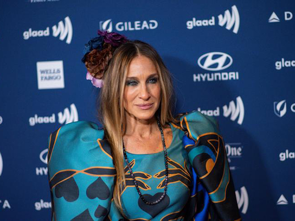Sarah Jessica Parker shares throwback pics of Andy Cohen on 'Sex and the City' - and fans are stunned