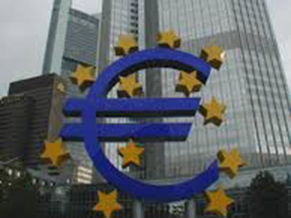 ECB leaves key interest rates unchanged, revises forward guidance