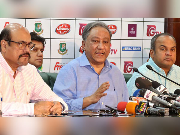 PM meets BCB president over cricketers' strike