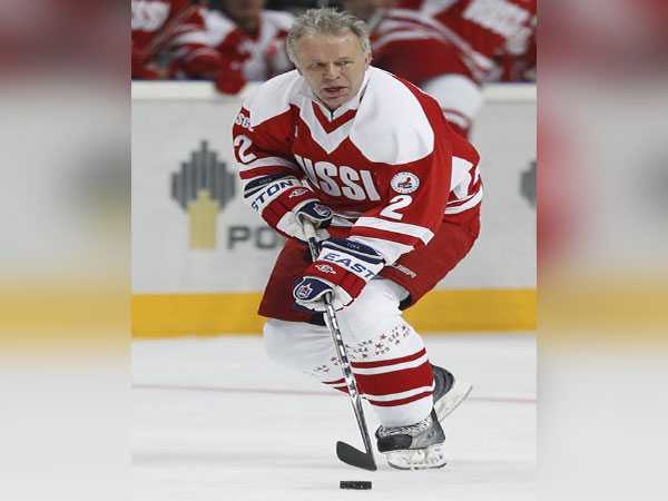 Ex-NHL superstar Fetisov offers to teach Trump how to skate, seeks to hold 'hockey summit'