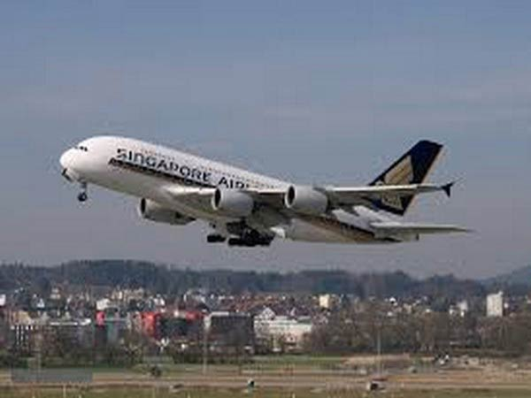 Singapore Airlines offers meals without flights