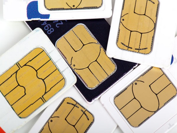 3 scammers arrested in Dubai for issuing hundreds of illegal SIM cards, financial fraud