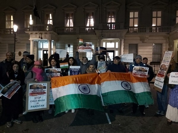 Protest outside Pak high commission in Londonseeking justice for Mehak Kumari, a minor Hindu girl who was reportedly forcibly converted to Islam