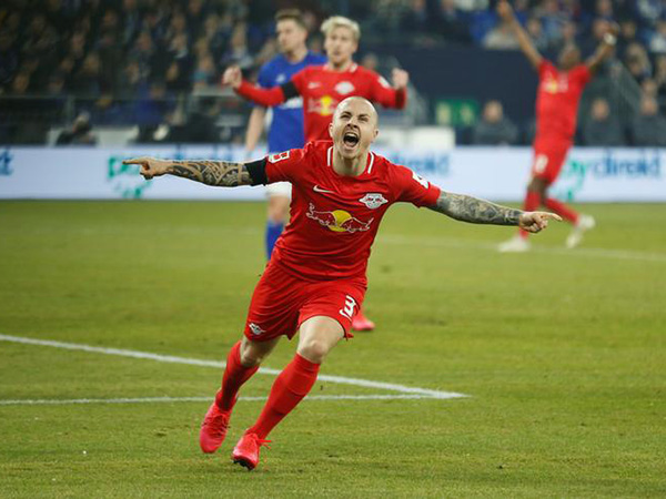 Leipzig whitewash Schalke 5-0 to stay second in Bundesliga