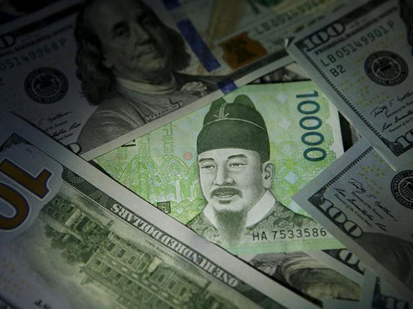 S. Korean: Central bank to extend USD 12 bln to local banks