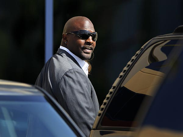 Former NFL player Marcellus Wiley rips Black Lives Matter after it removes page on disrupting 'nuclear family structure'