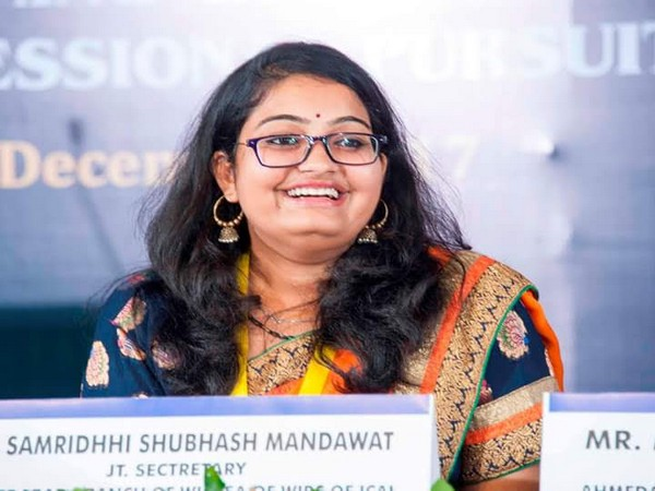 Samridhhi Mandawat - the Youngest Female Author to have donated all the Royalties for Women Upliftment