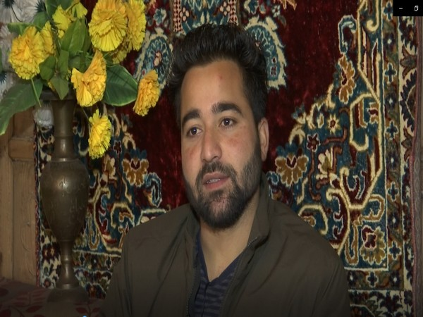 Kashmiri artist Aadil Pala become an inspiration for aspiring actors in the valley (Photo/ANI)