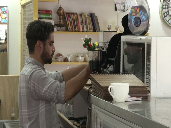 Kashmiri youth sets up a cafe in Srinagar, helps generate employment