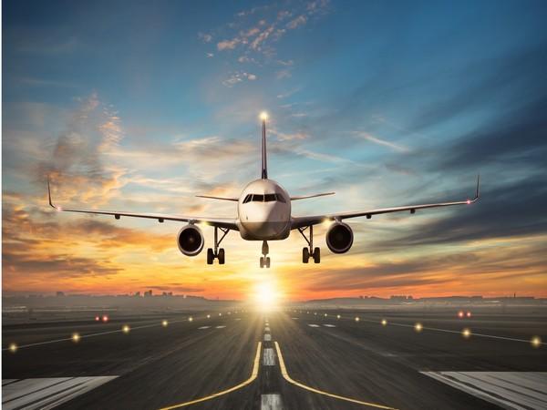 Moderate growth in air passenger markets, but weak air cargo demand