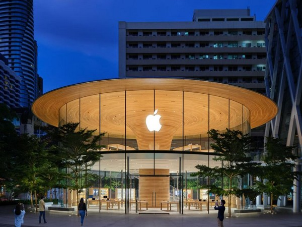 Apple grew revenue in every segment and geography to beat consensus revenue by 14 pc