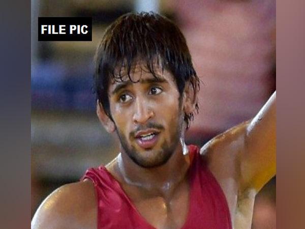 Asian Games: Sports fraternity laud wrestler Bajrang Punia
