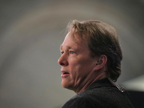 Bruce Linton out as co-CEO of Canopy Growth