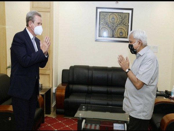 Barry O' Farrell, Australia's High Commissioner to India, called on Chief Election Commissioner of India, Sunil Arora (Photo tweeted by Spokesperson, Election Commission of India)