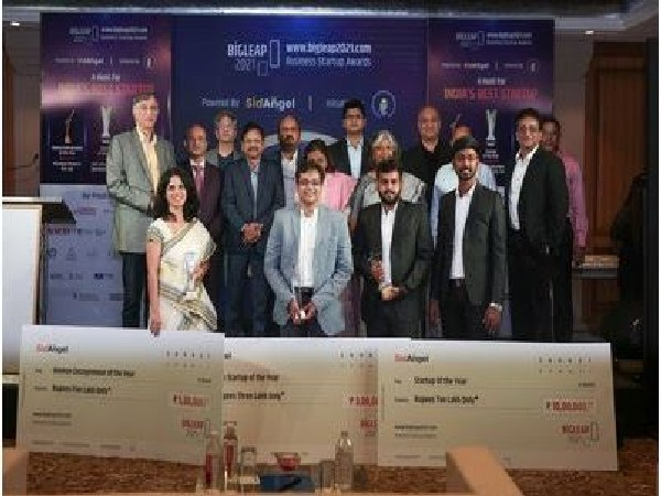 """""""The key is to develop yourself at least 1 percent every time,"""" says Niranjan Hiranandani, MD of Hiranandani Group at Bigleap 2021 Startup Awards"""