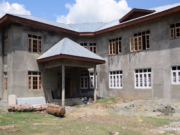 Primary health centre in J-K's Gatipora to benefit 25,000 people